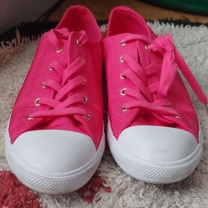 Size 10 Women's Pink Converse